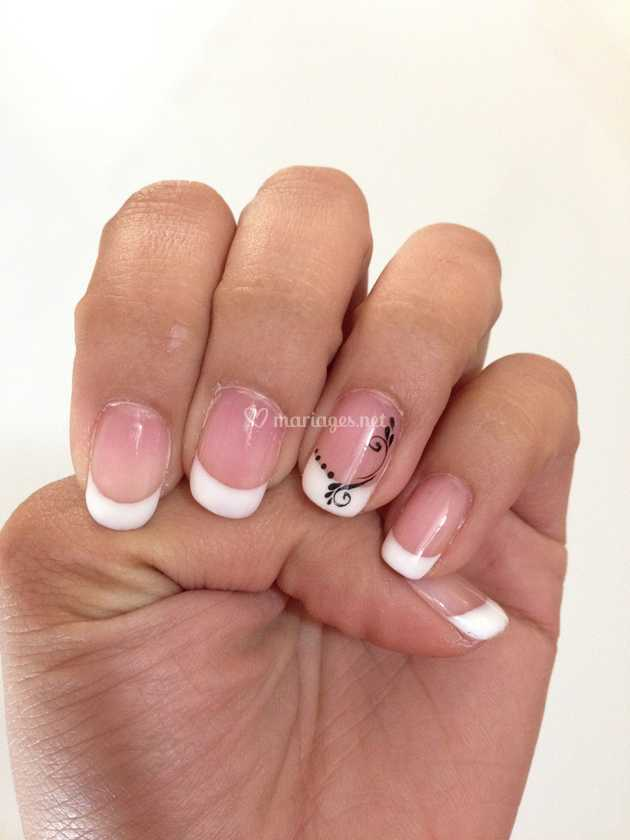 French Blanche Deco De Fee Des Ongles Photo 3