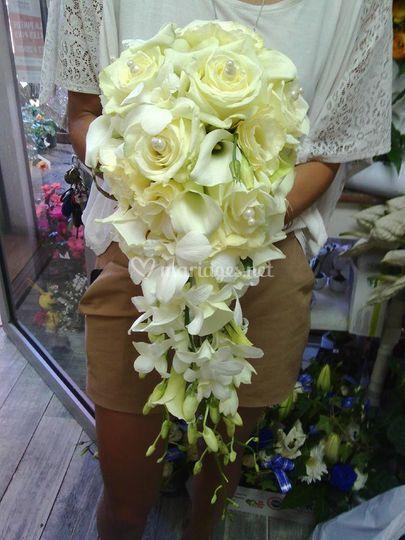 Bouquet en grappe crème pour m