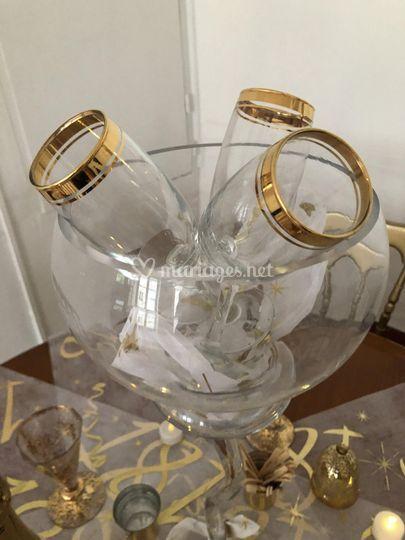 Coupes bordées or