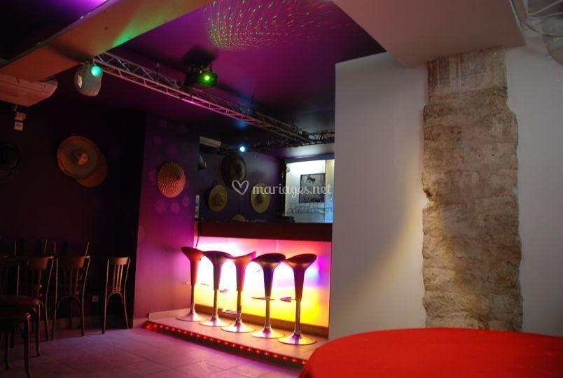 Bar karaoké en sous sol