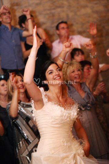 Mariée heureuse à son mariage