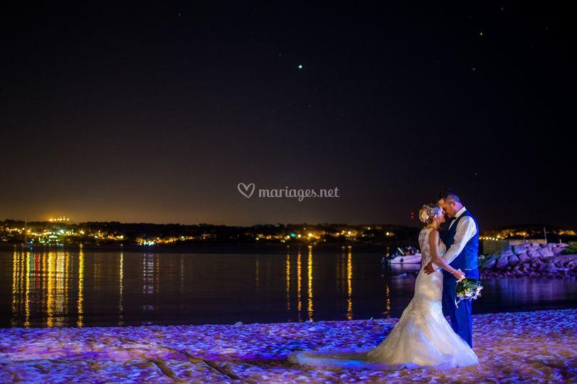 Mariés sur la plage du casino