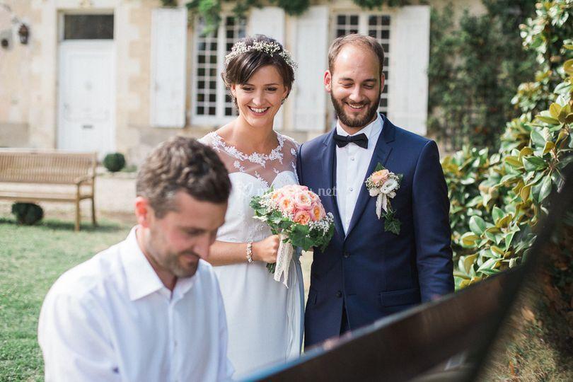 Photos avec les jeunes mariés