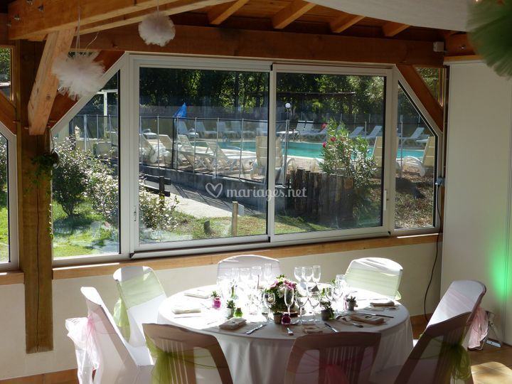 Table vue piscine