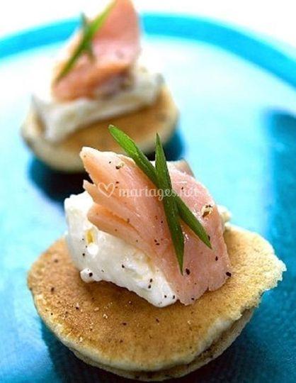 Blinis au saumon et fromage frais