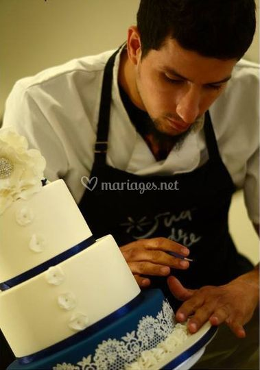 Wedding cake bleu azur