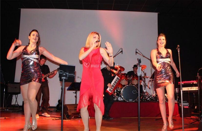 Orchestre variété danseuses