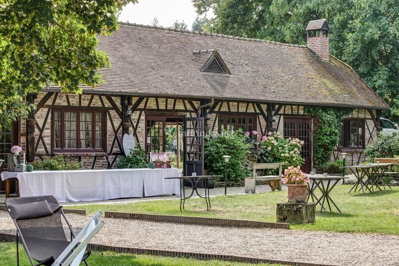 faade de lespace rception sur moulin de fourges - Moulin De Fourges Mariage
