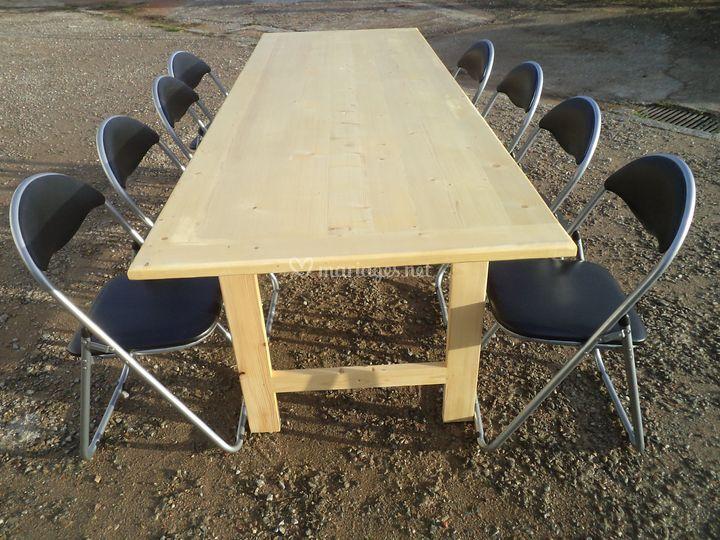 Table 2,40 m X 0,80 et chaises