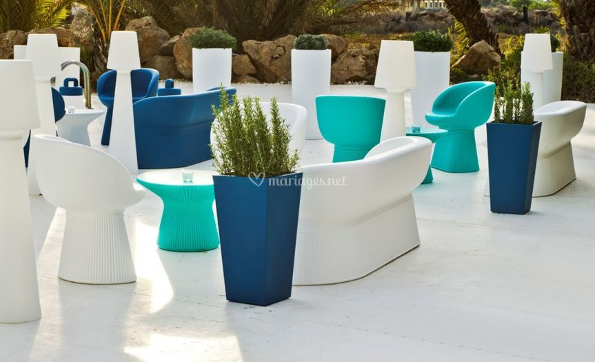 Canapé, fauteuil, et table