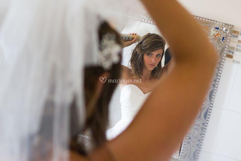 Une  mariée qui se prépare