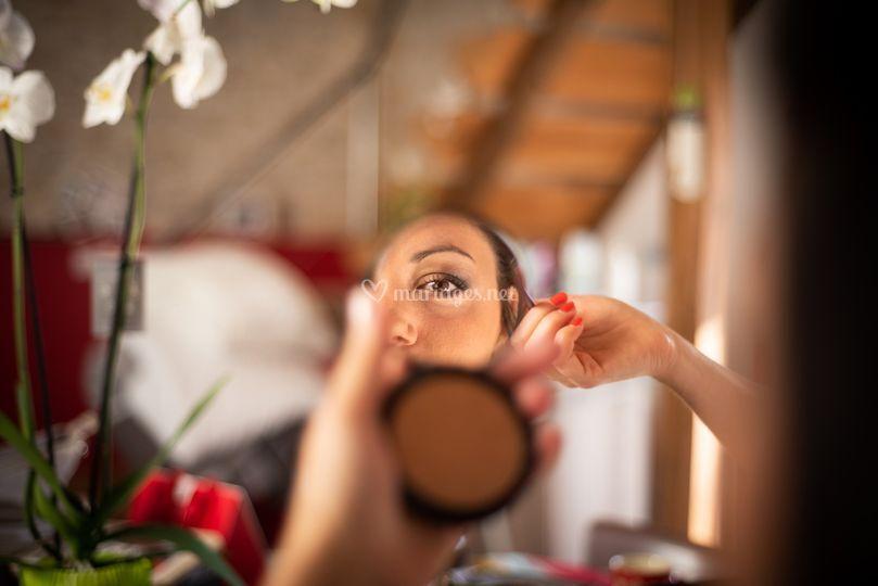 Préparatif maquillage mariée