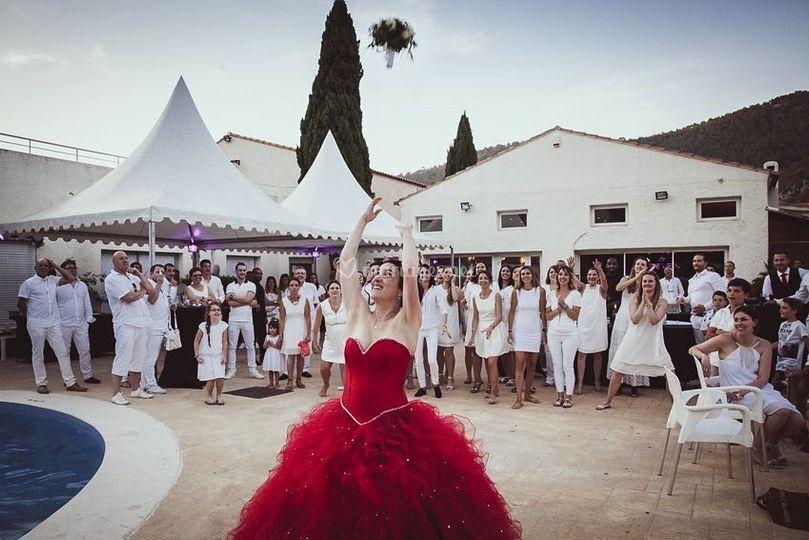 La cérémonie du bouquet