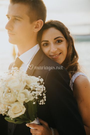 Mariés heureux à l'ile Maurice