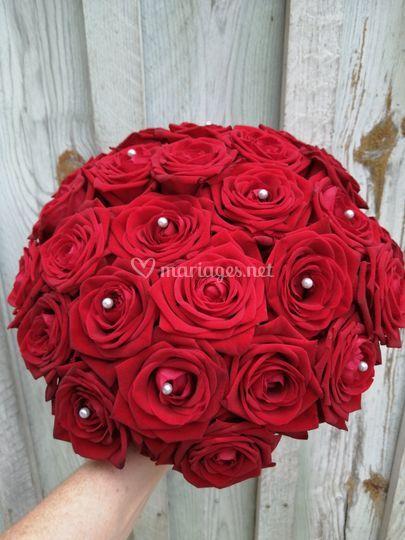 Bouquet rond de roses rouge