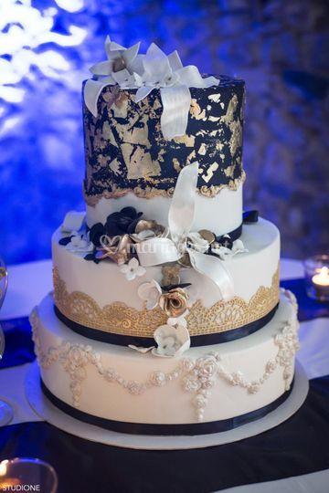 Weeding cake or