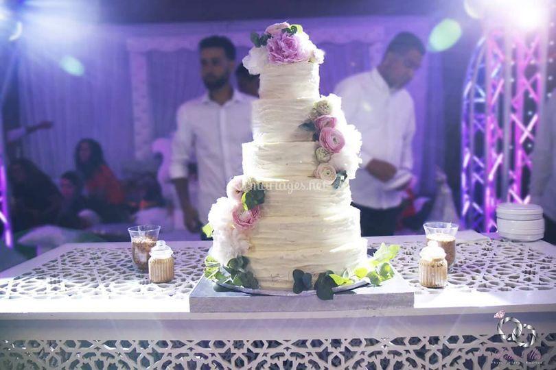 Weeding cake crème