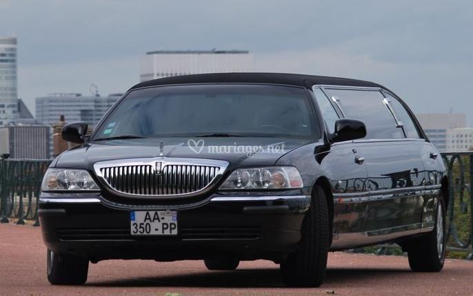 Limousine Lincoln noire