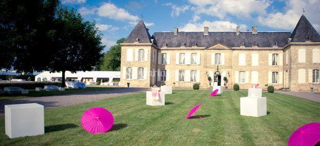 Assez Château de Lacoste UH95