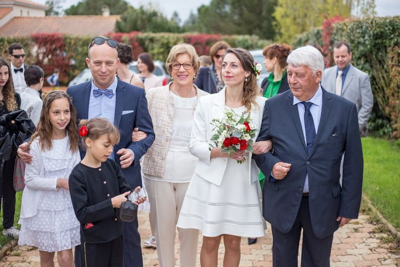 La mariée avec sa famille