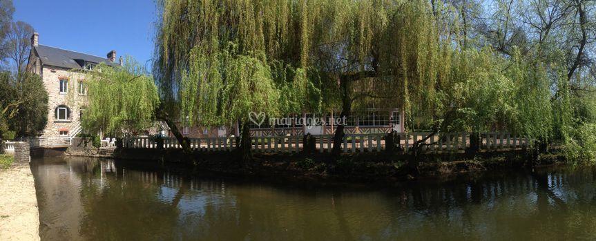 Le Moulin au bord de l'Orne