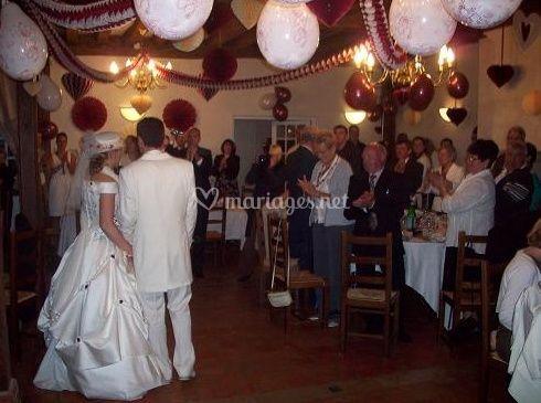 L'entrée triomphante des mariés