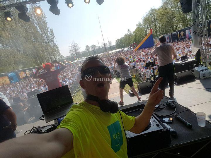 Un Vrai DJ ! 4000 personnes