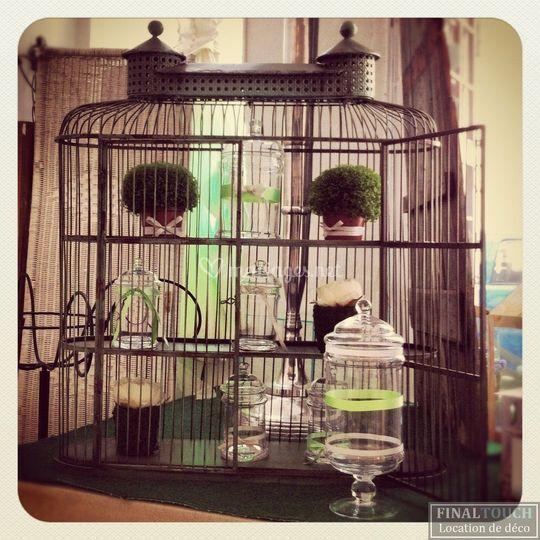 Cage à oiseaux : urne, déco...