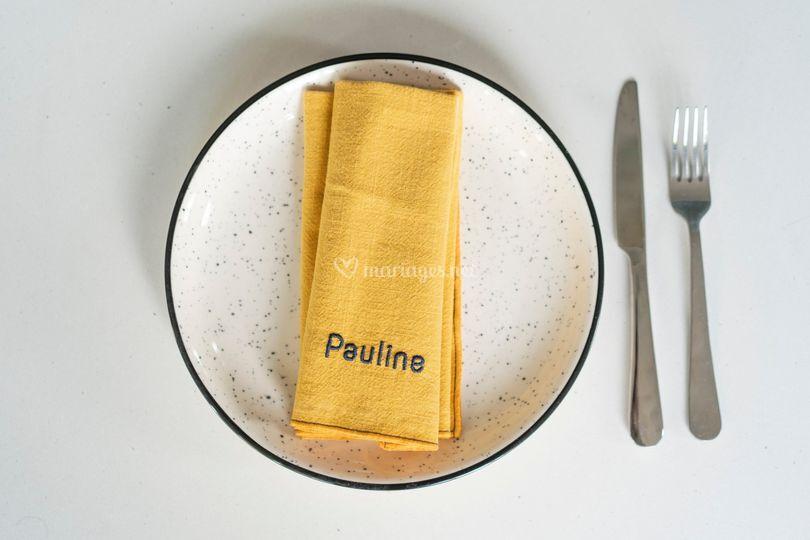 Serviettes de table brodées