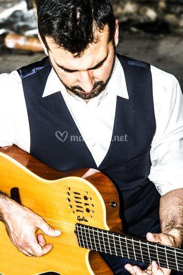 Alex à la guitare