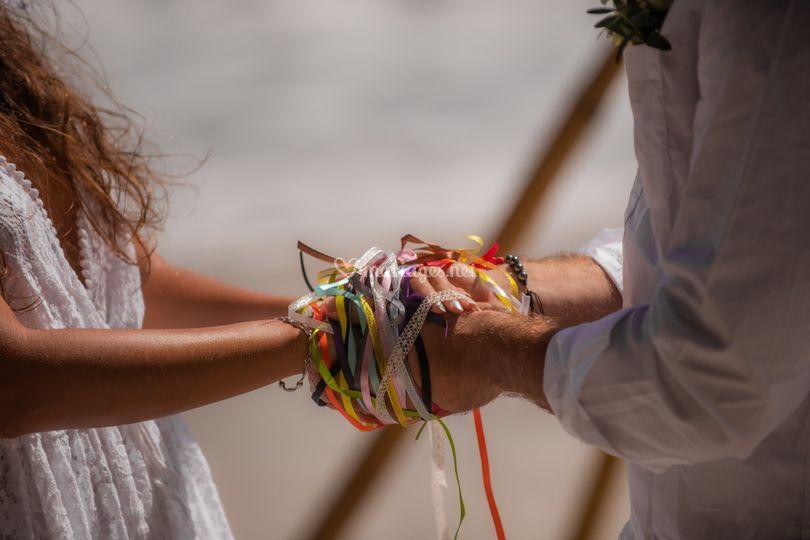 Le rituel des mains liées