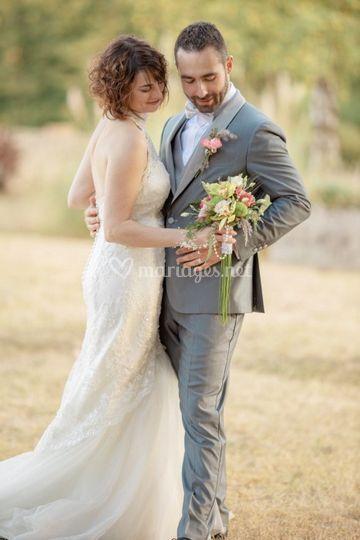 Le bouquet et les mariés