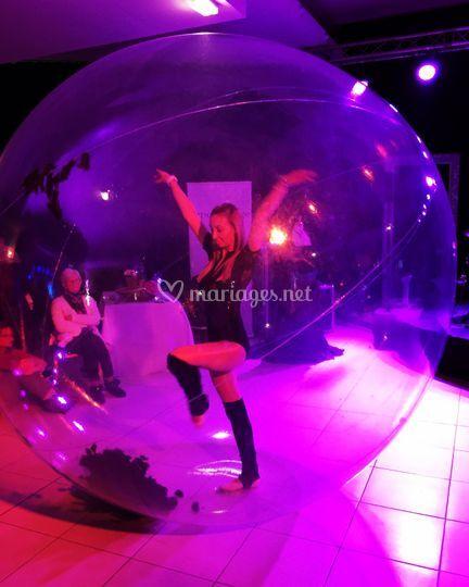 Artiste danseuse bulle