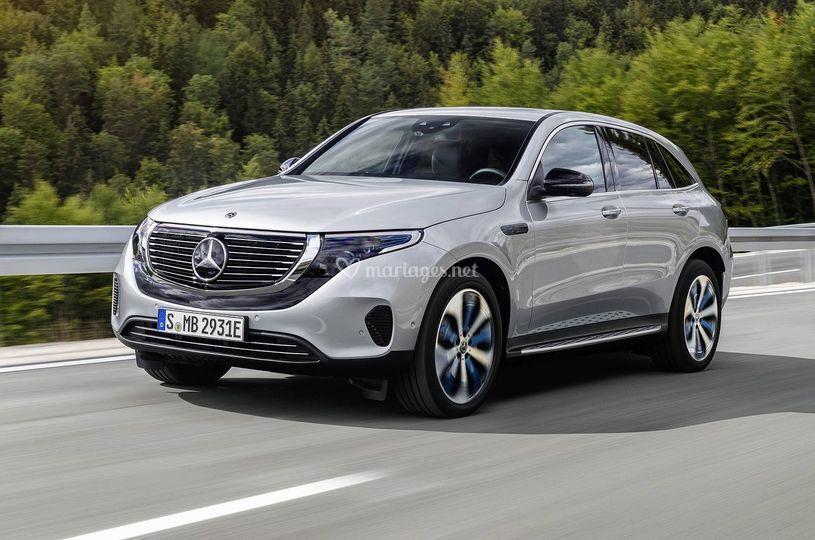 Mercedes-Benz-EQC-2019-764-1