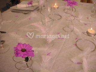 Table mauve et blanc