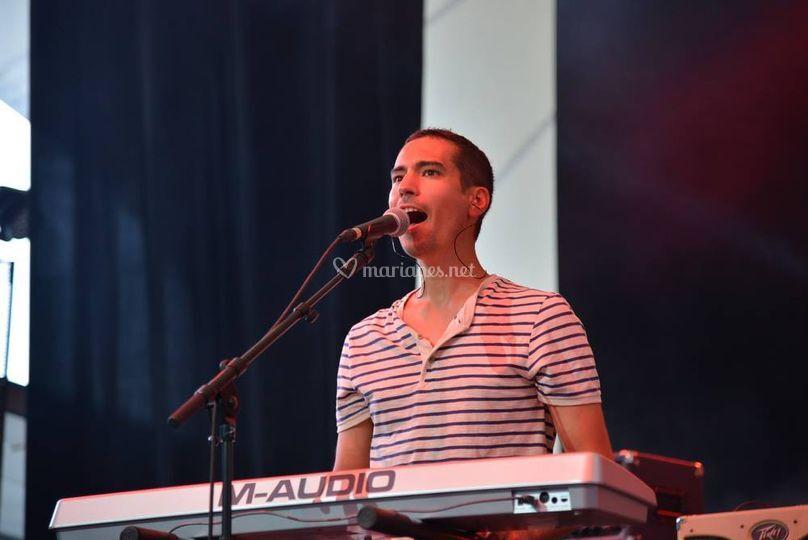 Simon - guitare/chant/clavier