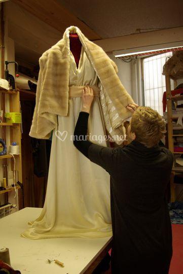 Robe soie, mousseline de soie et sa veste en fausse fourrure