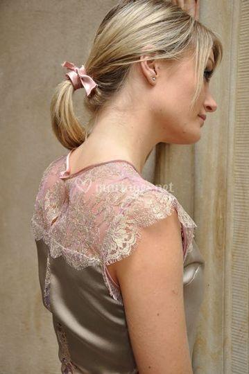 Robe dentelle rose et or