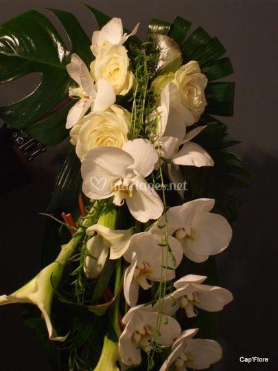 Bouquet en cascade d'orchidées