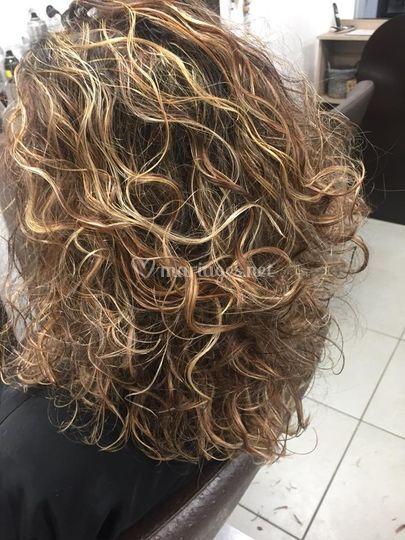 Séchage sur cheveux bouclés