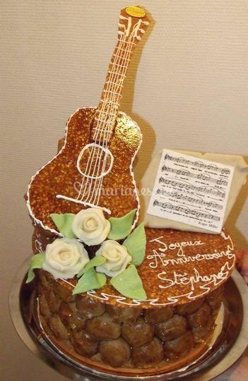 Pièce montée : guitare