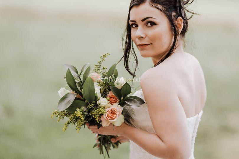 Mariée et son bouquet