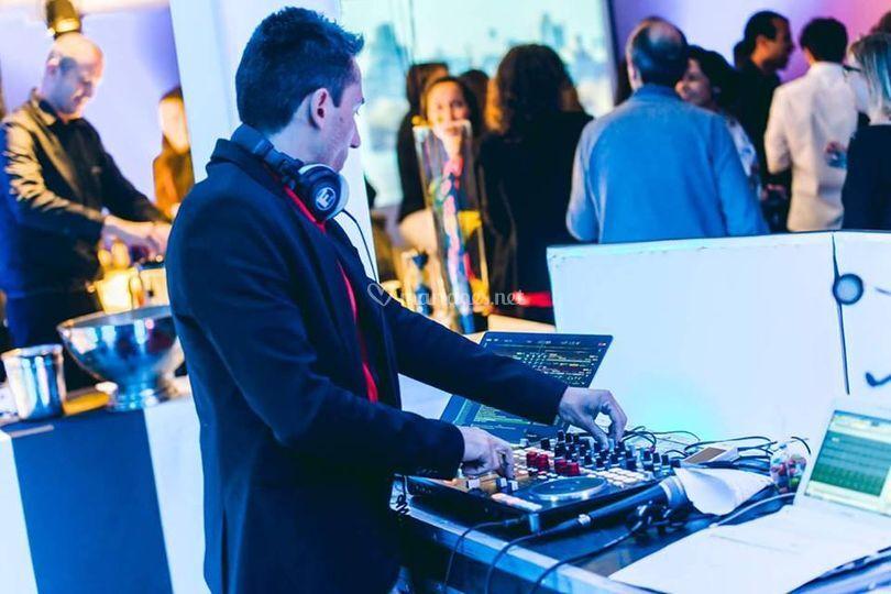 DJ holliday inn