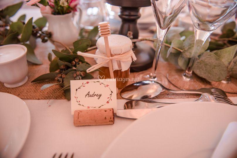 Porte nom et cadeaux aux invités