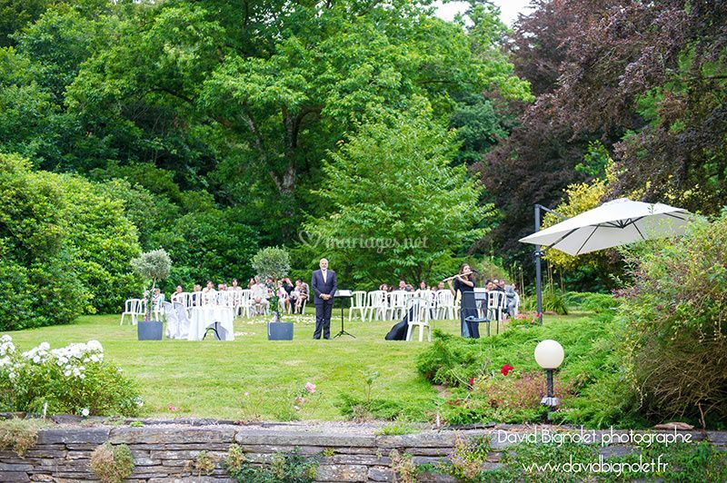 Ceremony dans le jardin