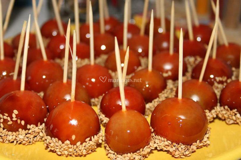 Tomate-cerise en pomme d'amour