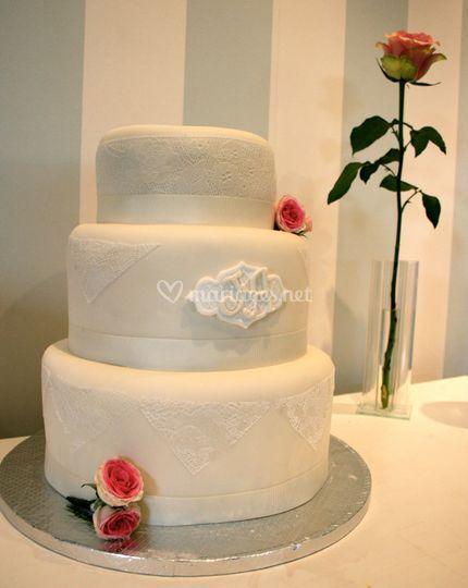 Wedding Cake Dentelle & Roses
