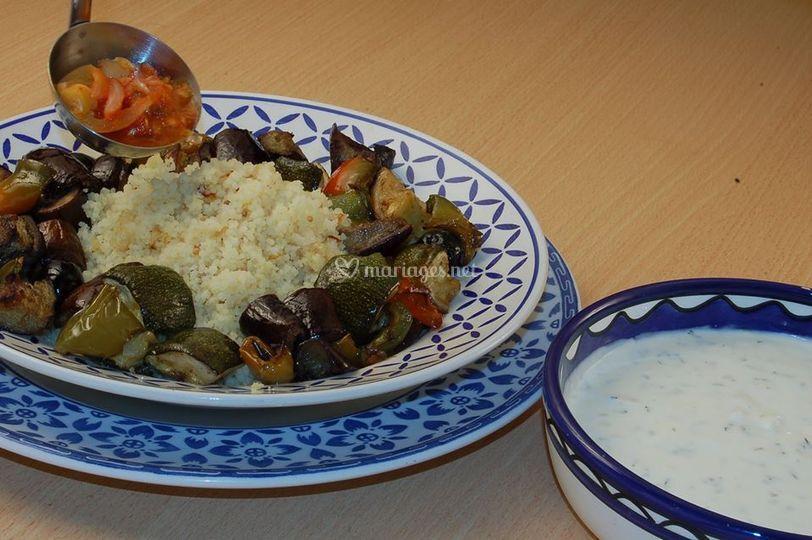 Légumes rôti avec couscous et piquant salsa