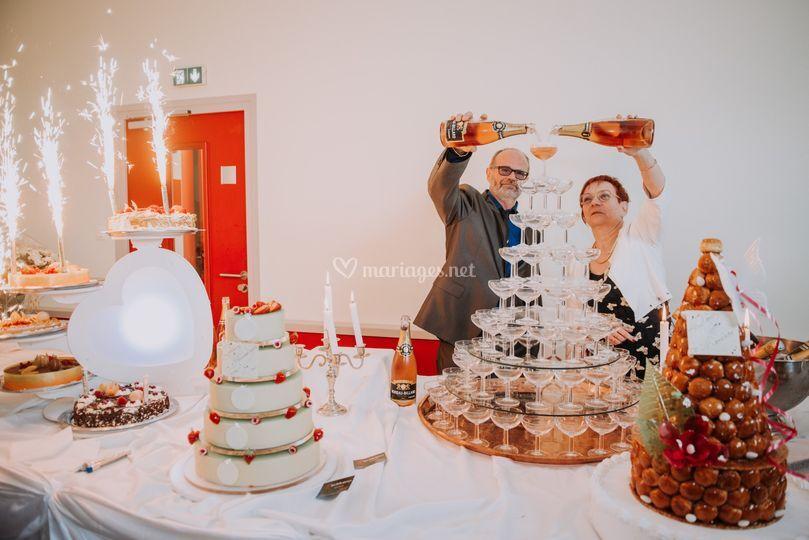 Buffet + Cascade de Champagne