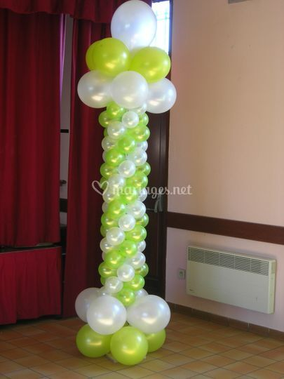Colonne de ballons vert et blanc